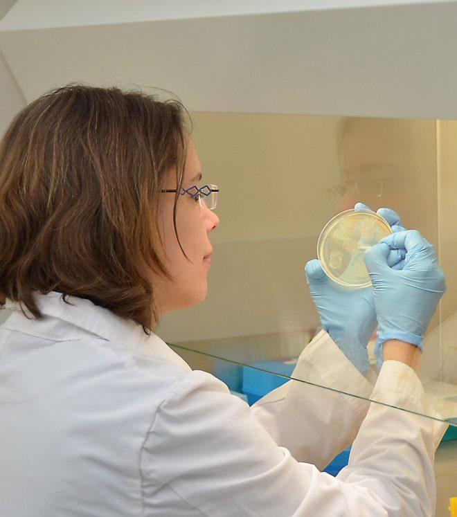 ILRI researcher, Elise Schieck, in laboratory